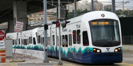 Sound Transit Central Link Light Rail (Kinki Sharyo)
